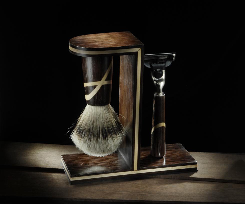 Set da barba, rasoi e pennelli